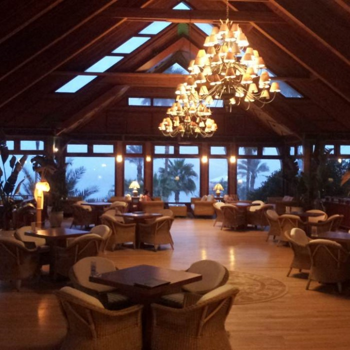 הלובי בלילה מלון אורכידאה אילת