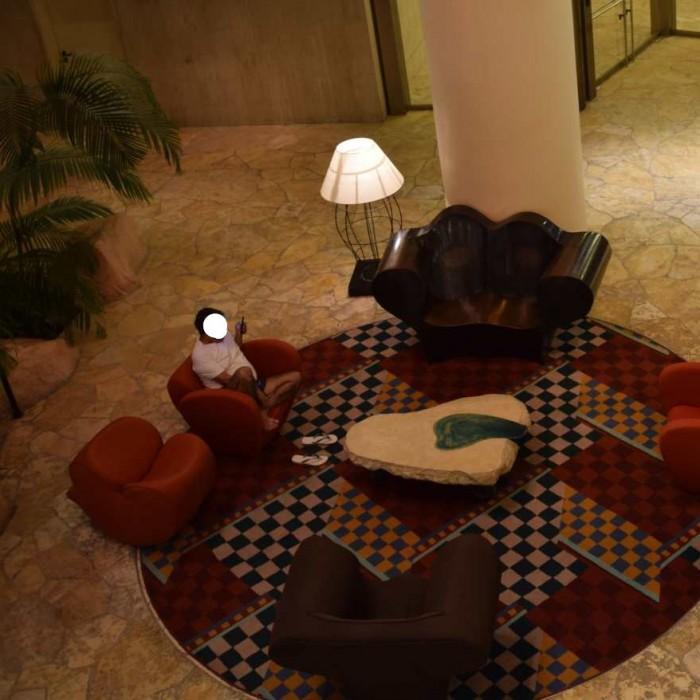פינת ישיבה בלובי מלון דן אילת
