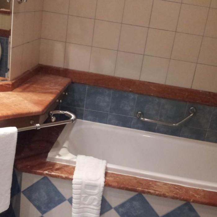 חדר האמבטיה מלון הרודס בוטיק אילת