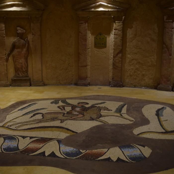נקודת המתנה מרכזית למעליות מלון הרודס פאלאס אילת