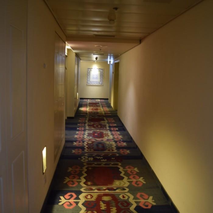 מסדרון בקומת החדרים מלון הרודס פאלאס אילת