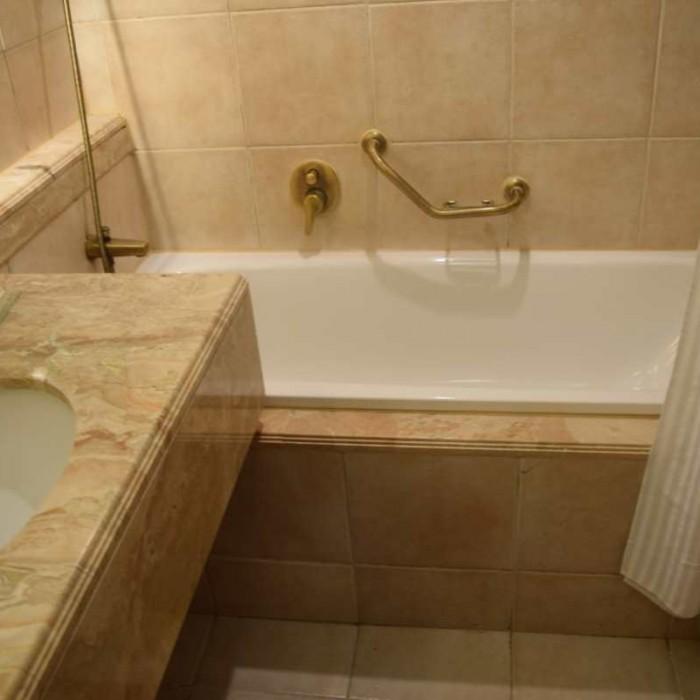 חדר האמבטיה החדר מלון הילטון אילת