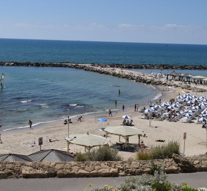 חוף הילטון ביום מלון הילטון תל אביב