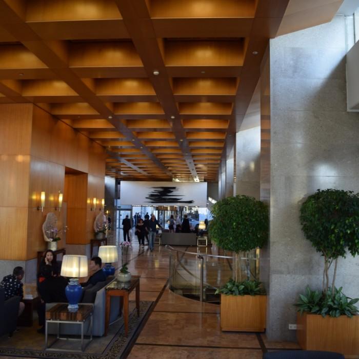 הכניסה למלון מלון הילטון תל אביב