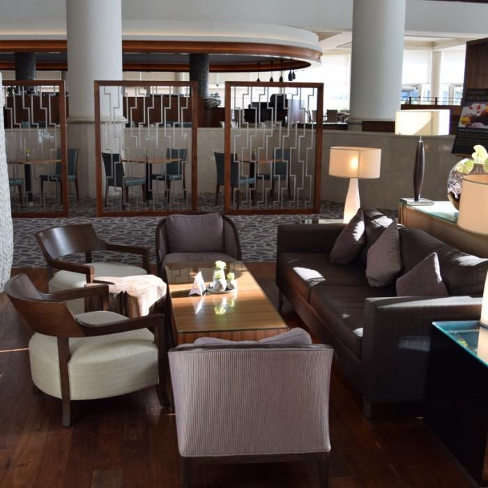 פינת ישיבה בלובי מלון דיוויד אינטרקונטיננטל תל אביב