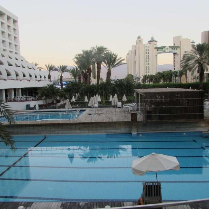 הבריכה מלון ישרוטל ספורט קלאב אילת