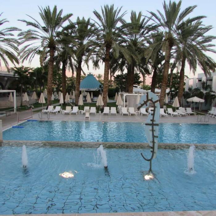 הבריכה מלון ישרוטל ים סוף אילת