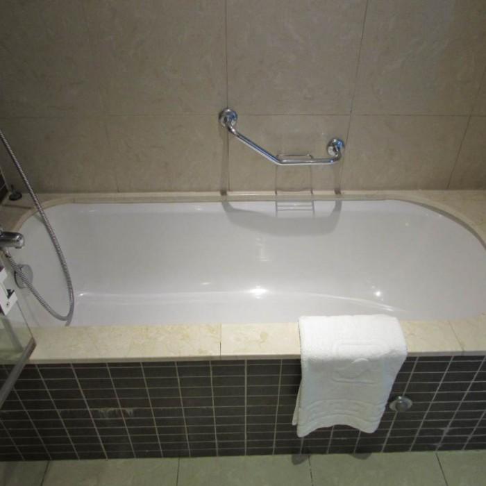 אמבטיה מלון המלך שלמה אילת