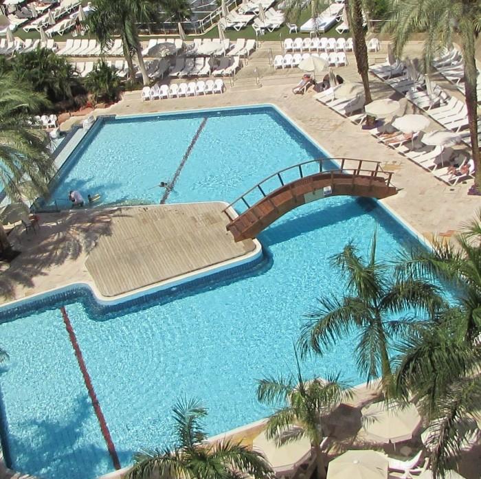 הבריכה מלון המלך שלמה אילת
