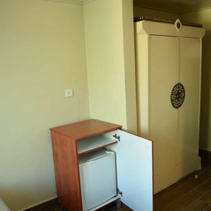 מקררון, ארון חדר למשפחה מלון מג'יק סאנרייז קלאב אילת