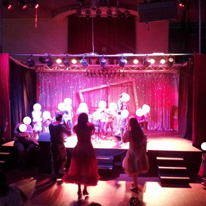 הלהקה והפעילויות לילדים הם לב המלון מלון מג'יק סאנרייז קלאב אילת