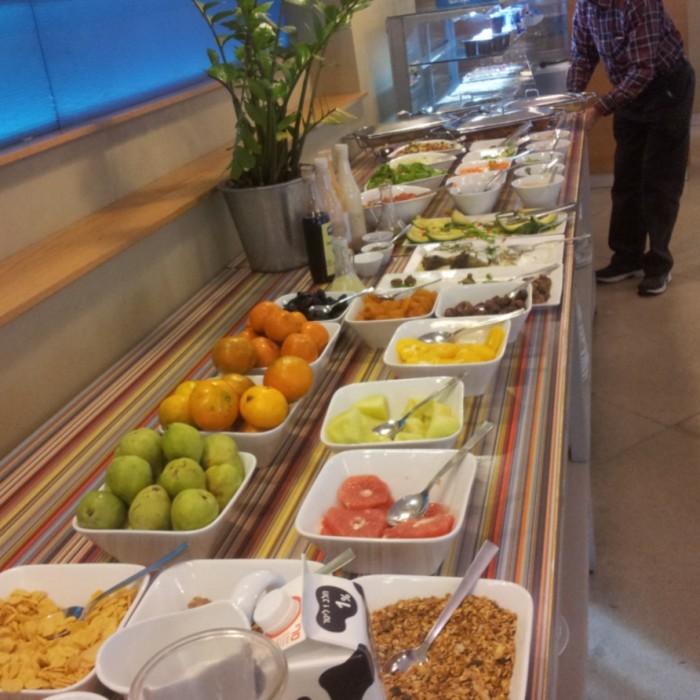 מזנון ארוחת הבוקר מלון פרימה סיטי תל אביב