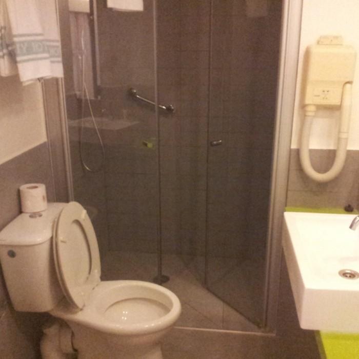 חדר האמבטיה החדר מלון פרימה סיטי תל אביב
