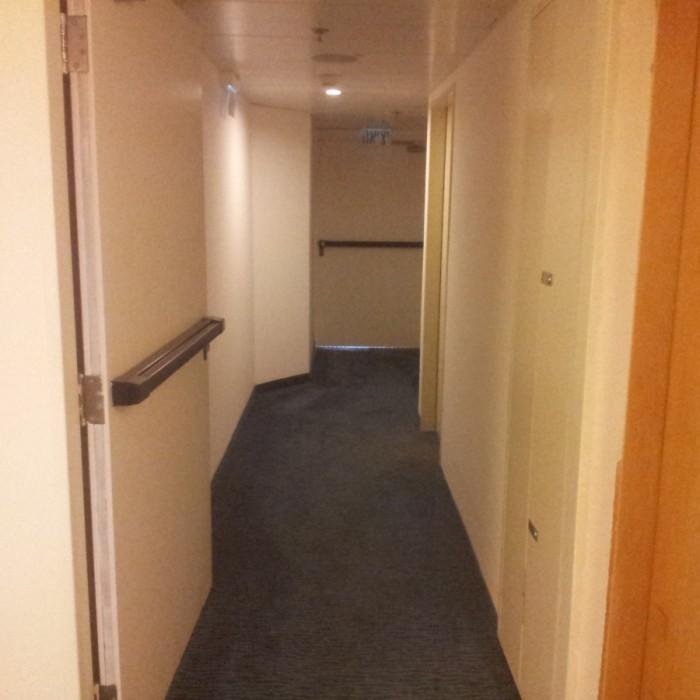 מסדרון בקומת החדרים החדר מלון פרימה סיטי תל אביב