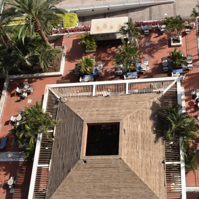 מקום לשבת בחוץ מלון רויאל ביץ אילת