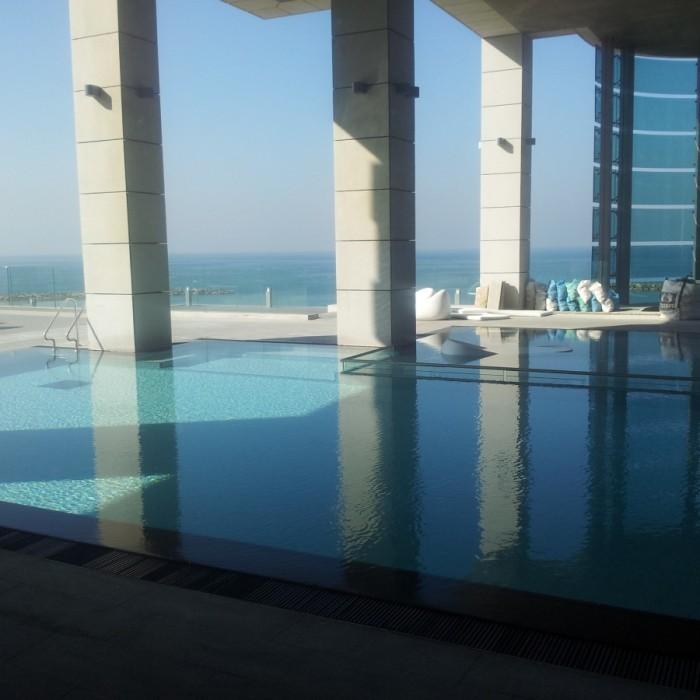 הבריכה מלון רויאל ביץ תל אביב