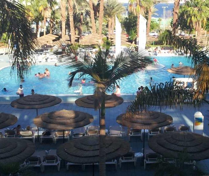 הבריכה מלון יו קןרל ביץ אילת
