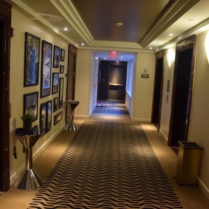 נקודת המתנה למעלית מלון סופיטל ניו יורק