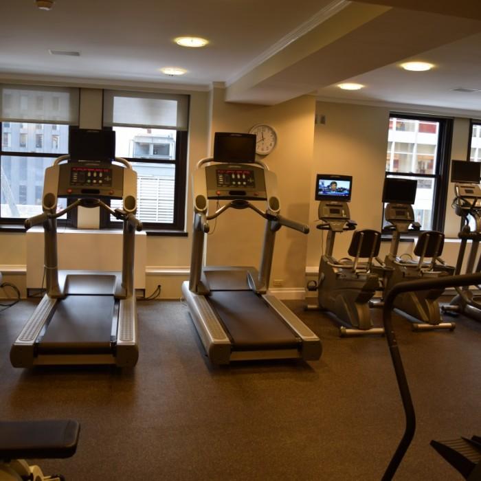 חדר כושר מלון וורוויק ניו יורק