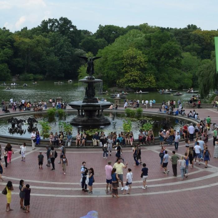 כיכר מרכזית בסנטרל פארק בקיץ