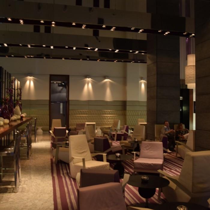 לובי מלון רויאל ביץ תל אביב