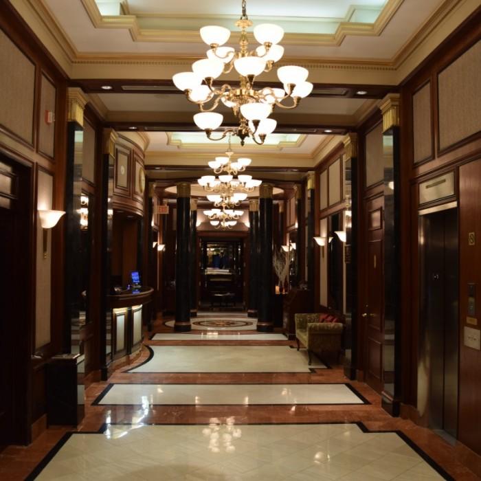 מלון קטן - הכניסה למלון מלון אוולון ניו יורק