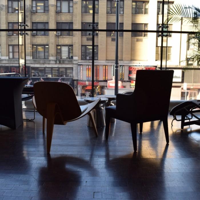 אנרגטי, יוצא אל השדרה השמינית וסמוך לטיימס סקוור מלון רו ניו יורק