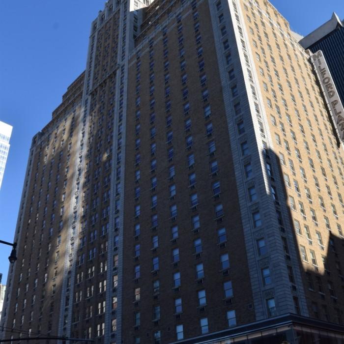 מלון רו - מלון ענק