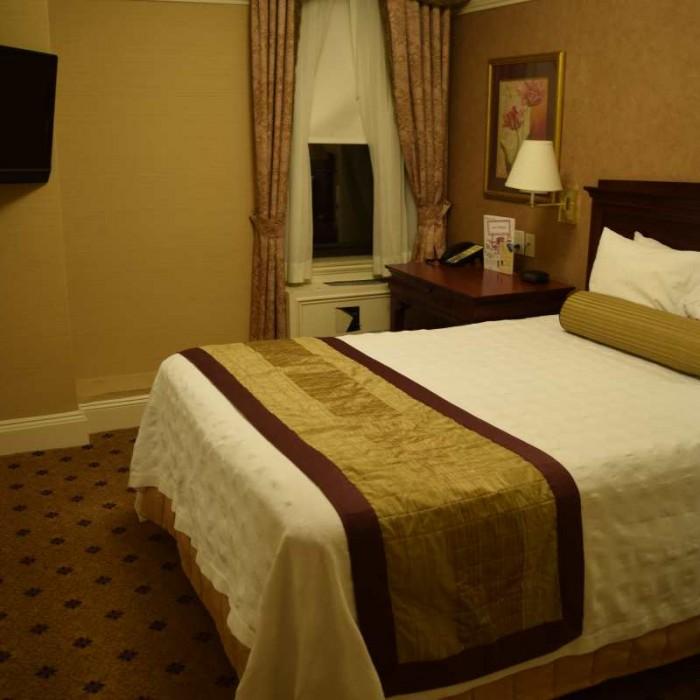 כך נראה חדר עם מיטה אחת מלון וולינגטון
