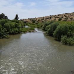 זרימת הירדן סמוך לגשר אריק